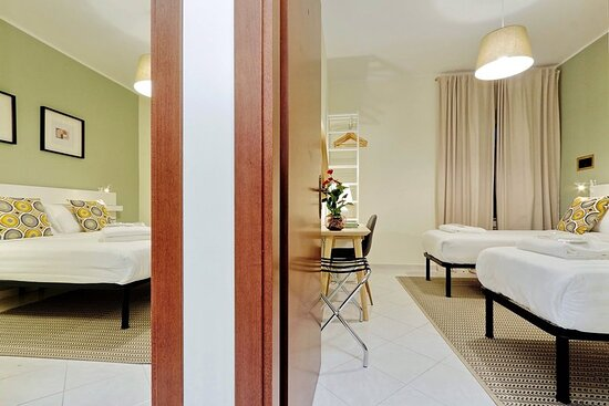 023802 Guest Room