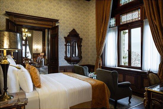 Emperor Suite - Bedroom
