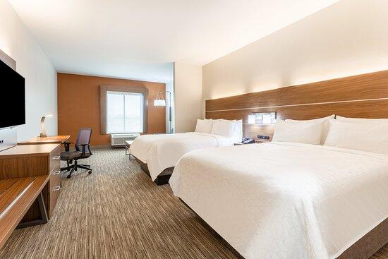 2 Queen Bed Suite Nonsmoking