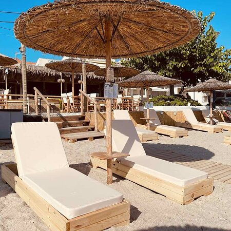 Hot days are coming! 🌞 Please make a reservation for your own convenience! ☎️(+30)2374052512 👉 https://cutt.ly/0mAO2Dh  🏖️🌴🥥🍹🍻🍔🍈🍉 #CoconesBar #Cocones #BlueFlagBeach #CocktailBar #Polichrono #Halkidiki #Cocktails #StreetFood #HalkidikiBars #Summer2021