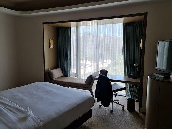 Biraz pisti odamız – Bild av Hilton Istanbul Kozyatagi - Tripadvisor