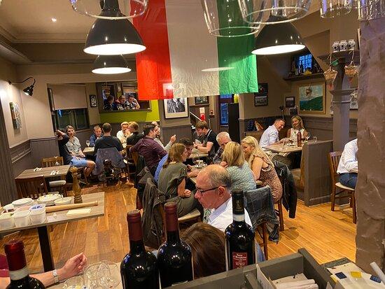 Peebles, UK: Viva l'Italia