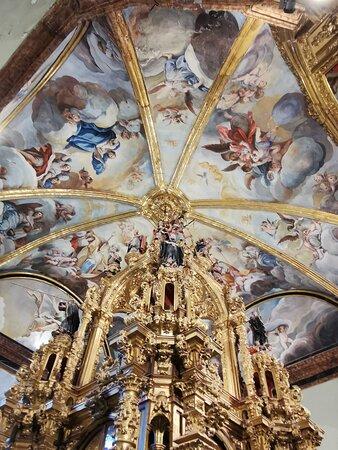 Pinturas del techo de Francisco Bayeu de la capilla de San Íñigo.