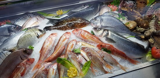 Fresh fish and seafood, everyday at Faros restaurant !!