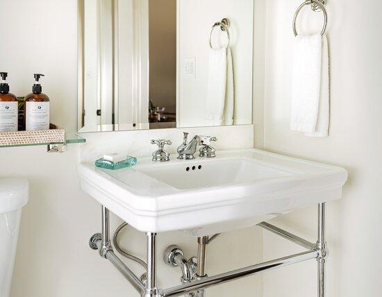 Tripadvisor - Standard Room - תמונה של Hotel Ynez, סולבנג