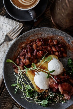 Food made with local, organic and ethical produce. Our beans are made in house!