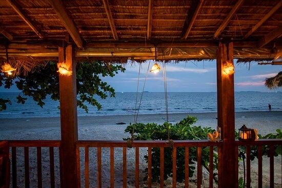 Tequila Sunrise interior