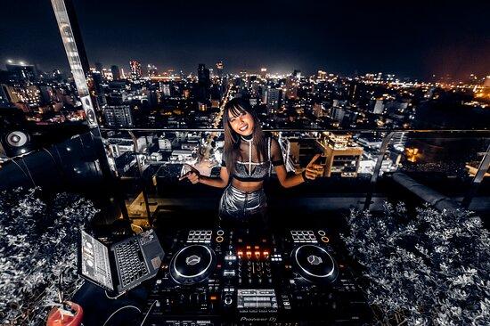 DJ mally