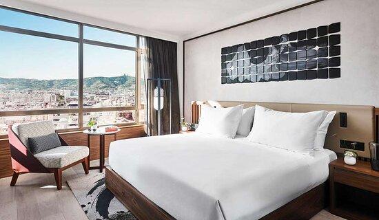 Deluxe City Room High
