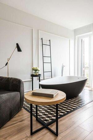 Junior Suite Marina Bathtub