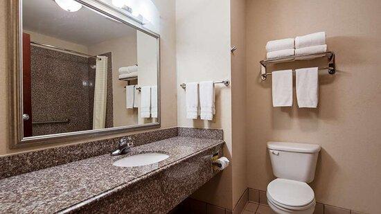 Refugio, TX: Guest Bathroom