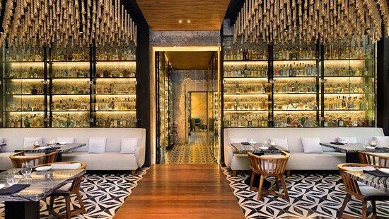 Ixi Im Restaurant Lounge Area