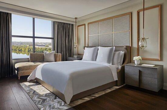 Congressional Suite Bedroom.tif