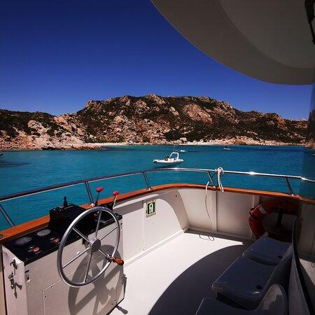4-stop boat excursion to La Maddalena Archipelago: La nostra escursione nell'arcipelago della Maddalena con la nave Lady luna II è fantastica. Soargi, Budelli, Santa Maria e La Maddalena, tappa su ognuna delle isole.