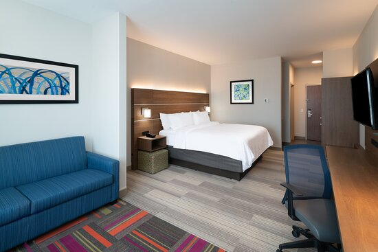 Holiday Inn Express St. Peters MO, King Suite