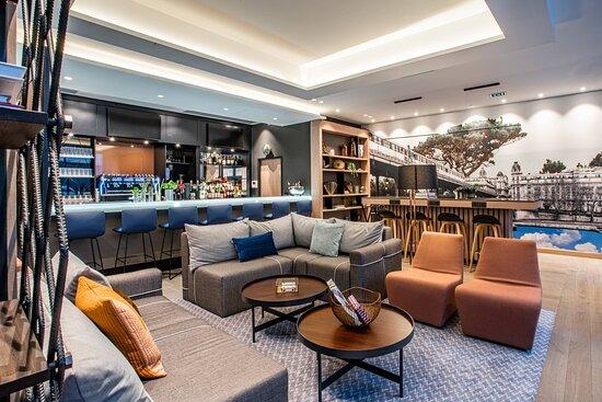 The Bar Là-bas