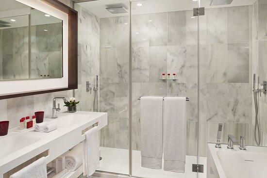 Bathroom Premium Room