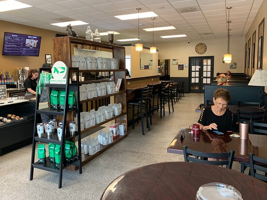 Bully Brew on Columbia! Always a great choice. Today's staff member was very friendly and helpful... as well as patient. Thank you! (7/13/21)