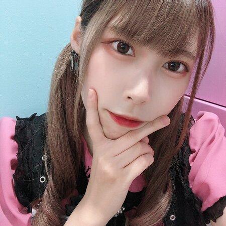 きょうかちゃん💛とってもキュート吸い込まれそうな瞳のマーメイドちゃんです - Photo de Cafe&Bar Mermaid, Chiyoda - Tripadvisor