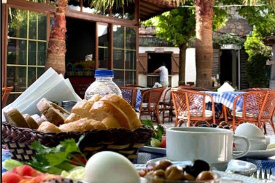 Ölüdeniz, Hisarönü^nde bulunan otelimizin Çok beğenilen kahvaltısı.