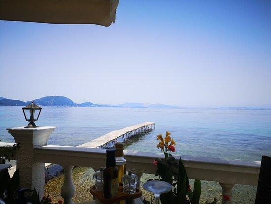 Mehr Sonne und Meer geht nicht! - Picture of Taverna Kalami, Corfu - Tripadvisor