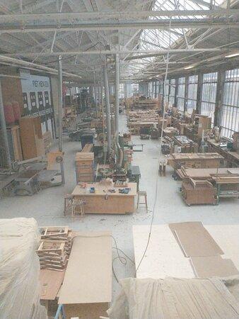 Atelier waar circa 30 mensen werk vinden.