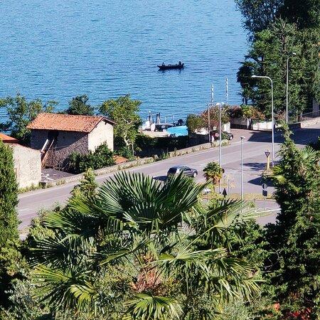 Soleville. Panoramico accogliente B&B sul lago d'Iseo. Se cerchi un luogo per rilassarti, questo è il posto giusto. Ha anche un ottimo ristorante... Consigliatissimo