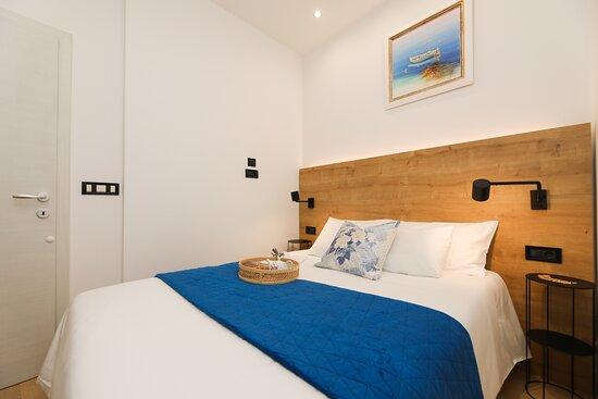 Supetar, Croatie : Bedroom: Queen size bed (140x190 cm)