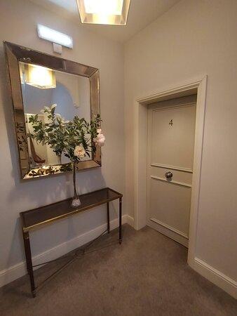 Apartment 4 entrance