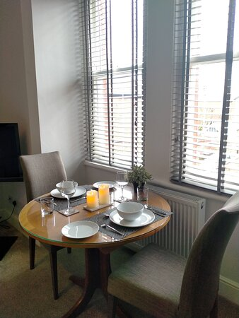 Apartment 4 dining area