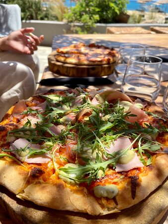 Pizza was so good - lots of pizza opportunities on the beach and this was our favorite