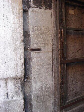 Per i vicoli... sino all'Arco dei Banchi