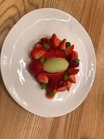 Fraises petits pois et menthe un superbe dessert  savoureux et original