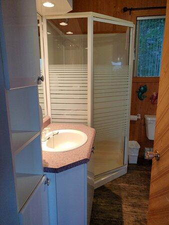 Étage supérieur - salle de bain
