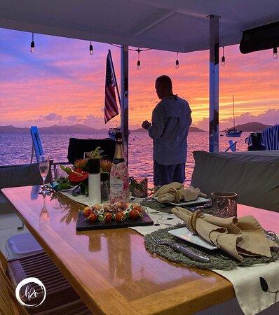 USA Jungfruöarna: Sunset on 3 Sisters Sailing Catamaran
