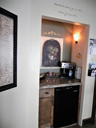 The Niche' in the hallway between our Guest Rooms featuring:  Fresh Seven Coffee pre-set every morning, well stocked Tea selection, refrigerator with juices,  cold tea, filtered water,  and bottle openers.