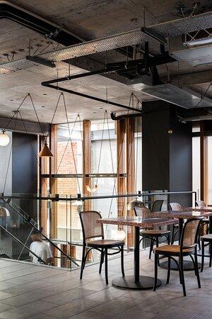 Mezzanine / Lounge
