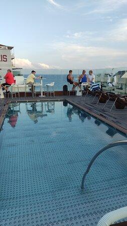 Hotel con vistas espectaculares ,trato muy bueno y atento y hotel espectacular recomiendo