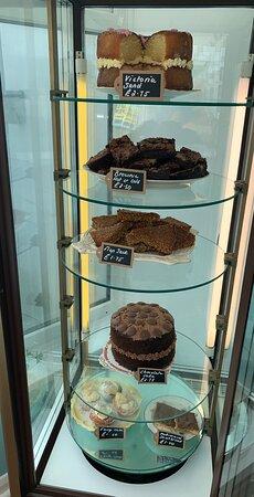גרנת'הם, UK: Home made cakes 