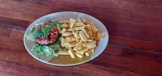 Poké frites URU ! Pour les vrais amateurs des produits locaux.