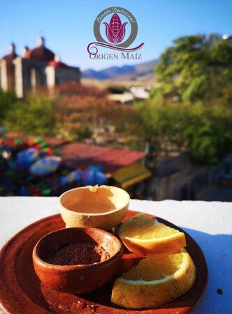San Pablo Villa de Mitla, Mexiko: Antes de comer, un delicioso Mezcal!!!