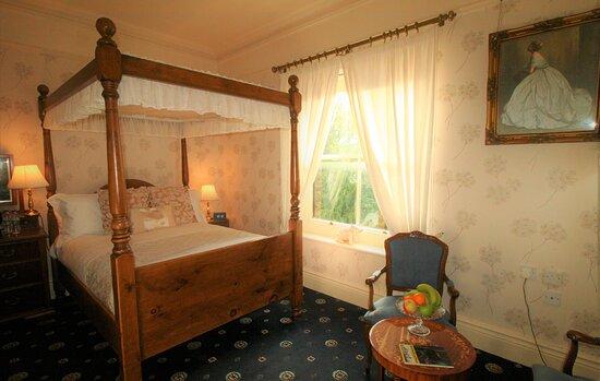 The Queen's Retreat, Kingscroft