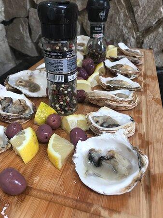 Kotor kommun, Montenegro: Fresh, organic oysters