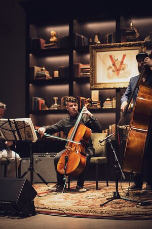 Nick Rosen Trio providing the strings and jazz vibes on a Thursday. Live music Thursday- Saturday at 'Live at Verse'