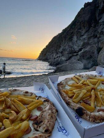 Pizza ottima. Prezzi onesti. Una delle pizze più buone dell'isola.