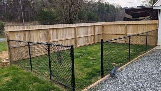 Site 2 - private pet area