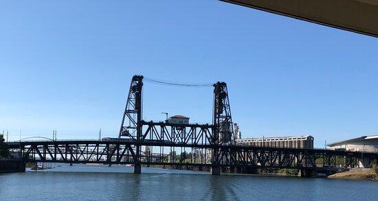 Heart of Portland Sightseeing Cruise: Portland Spirit Downtown Cruise