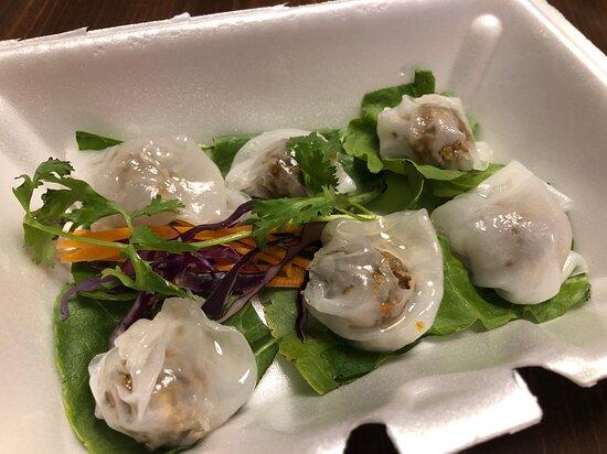 Khao Kriab Pak Moh (Pork Dumpling)