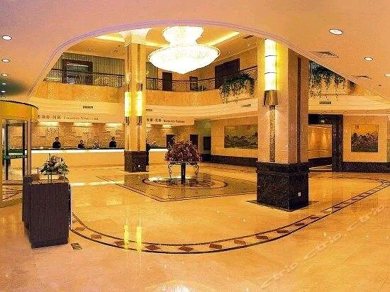 Century Glory - Newest Yangtze Cruise 4-Day Chongqing Yichang Experience: Lobby