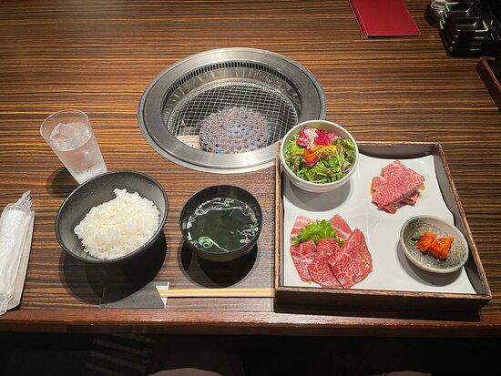 אקיטה, יפן: 和牛焼肉定食